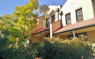 Three bedroom townhouse in popular complex