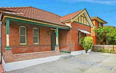 4 Bedroom house near Campsie Station